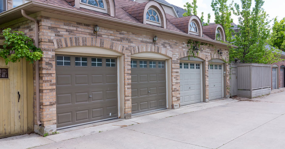 Broken garage door repair Monroe County